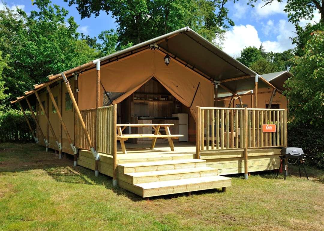 Safari Tent & Best Buy Safari Tent 4 Resort. Luxury Tent or Glamping Tents ...